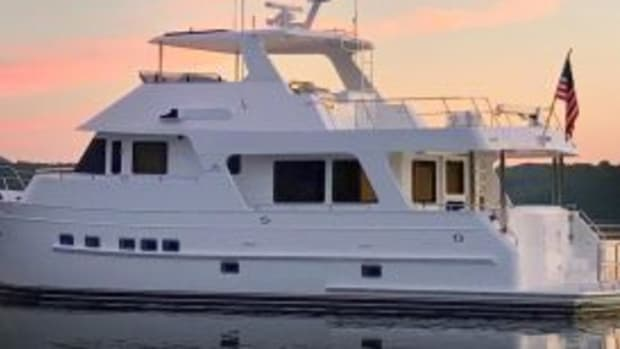 outer-reef-610-motoryacht1