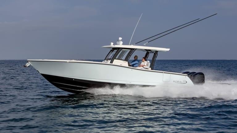 New Boat Report: Robalo R360