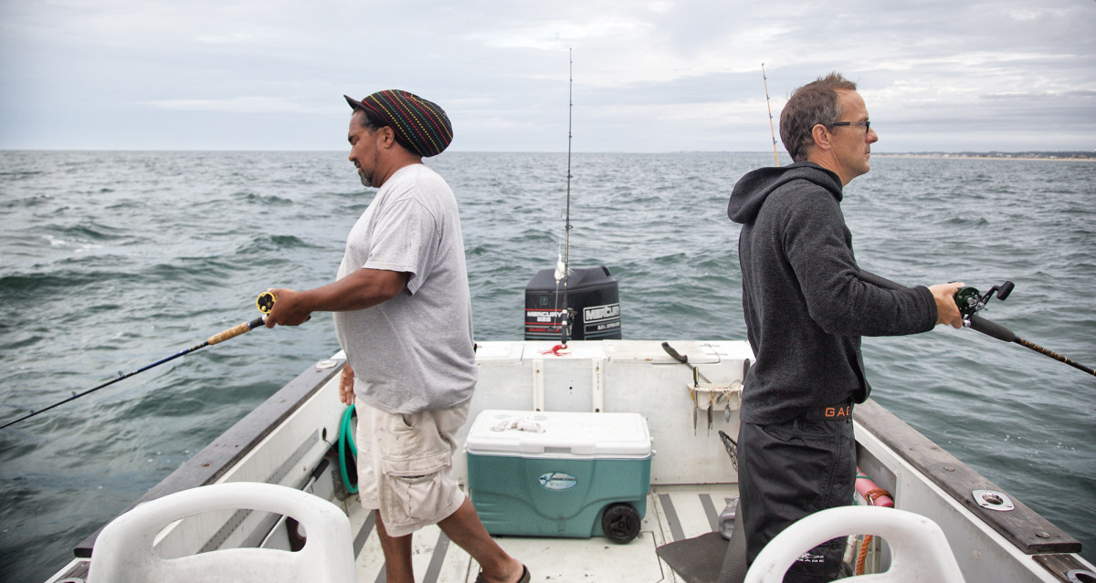 The author (right) and skipper Jason Jarvis work a piece of hard bottom.