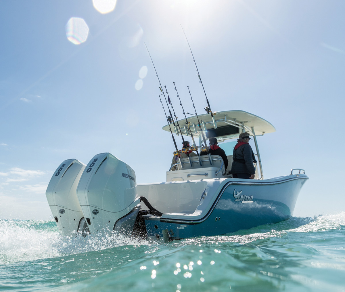 The new Mercury V-8 outboards have the narrowest profile and mount on 26-inch centers.