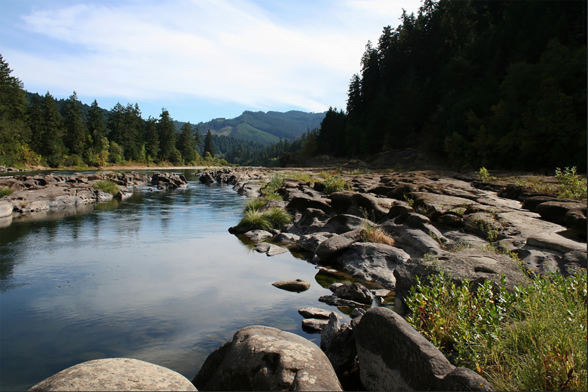 02-Flickr- Umpqua River- credit BLM