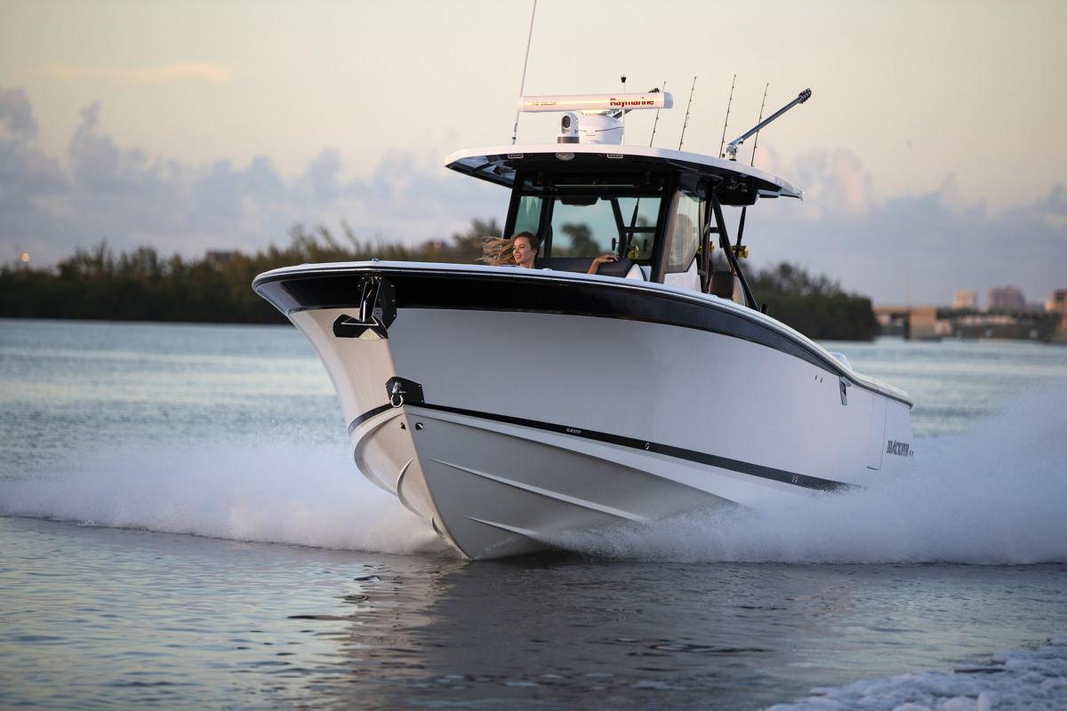 Blackfin 332 CC