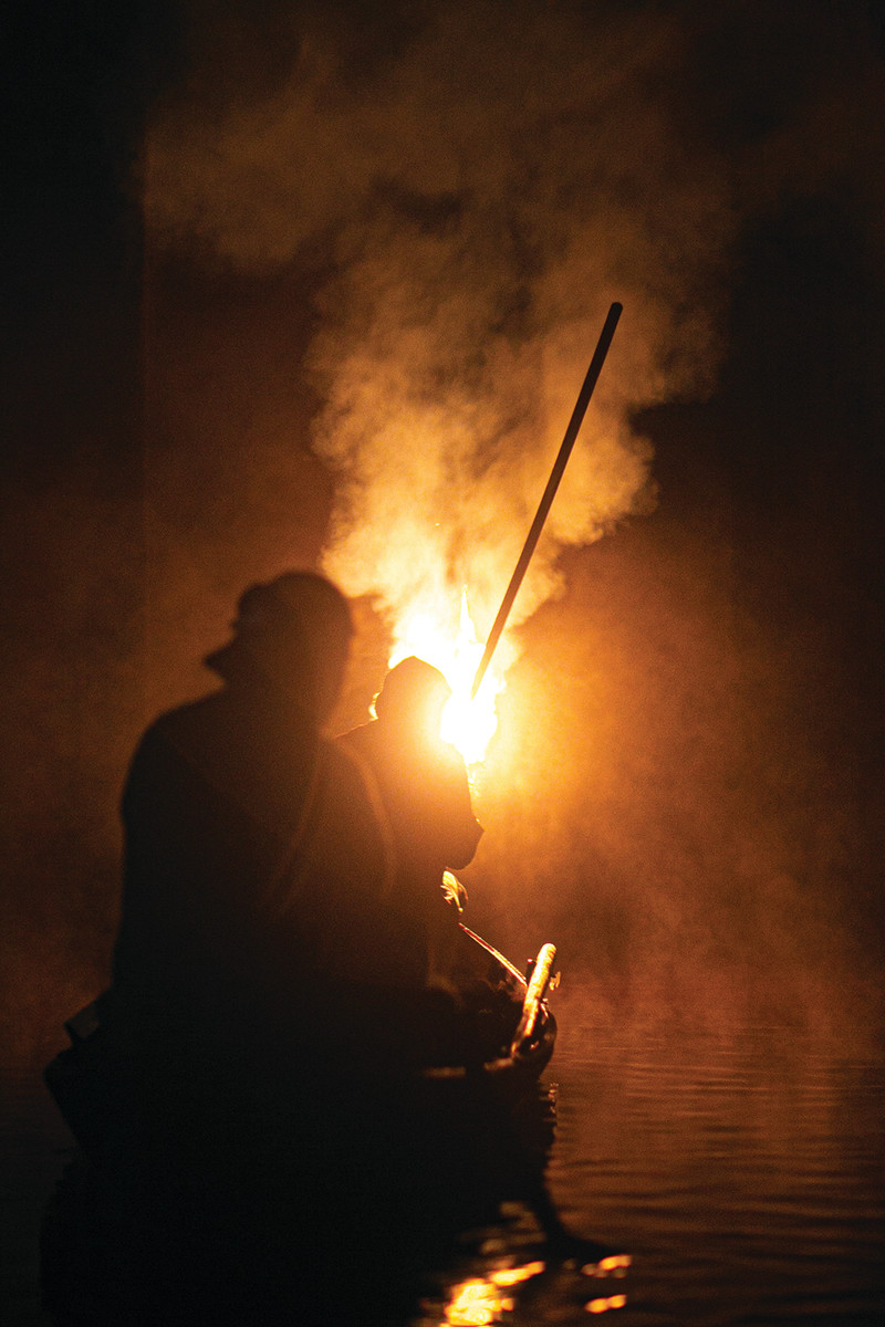The scent of tar in the smoke gives the evening adistinctive aroma.