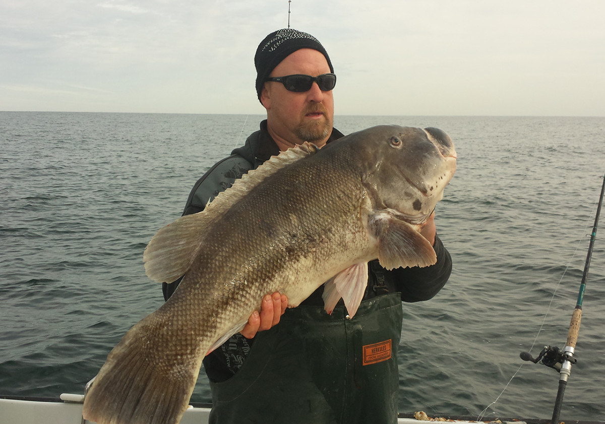 Kenneth Westerfeld with his 28-pound, 13-ounce world record tog.