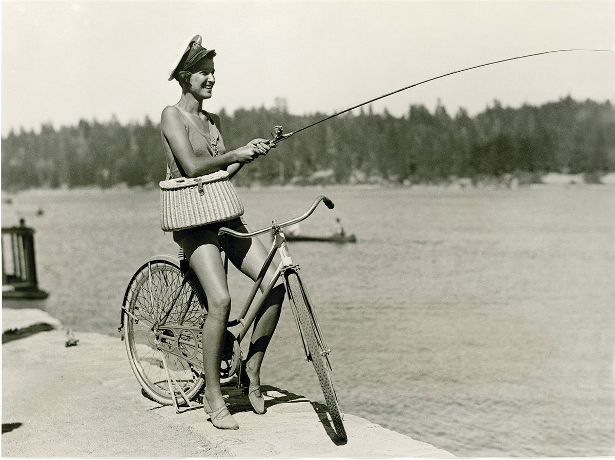 This photo from Lake Arrowhead, California, in 1933 looks like an early fishing cheesecake shot.